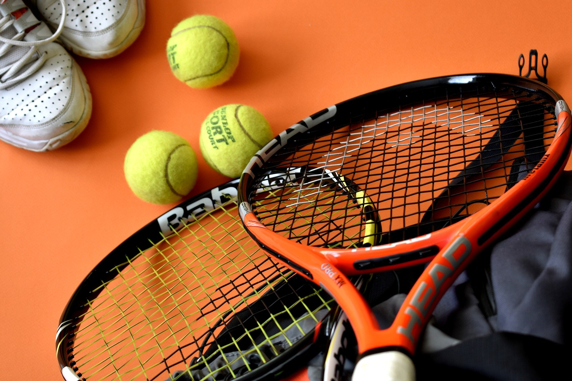 FAMILY LIFE AND TENNIS IN IRELAND